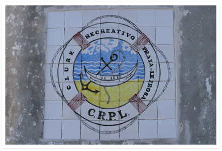 Tiled painting of the CRPL logo, by the artist Conceição Ruivo