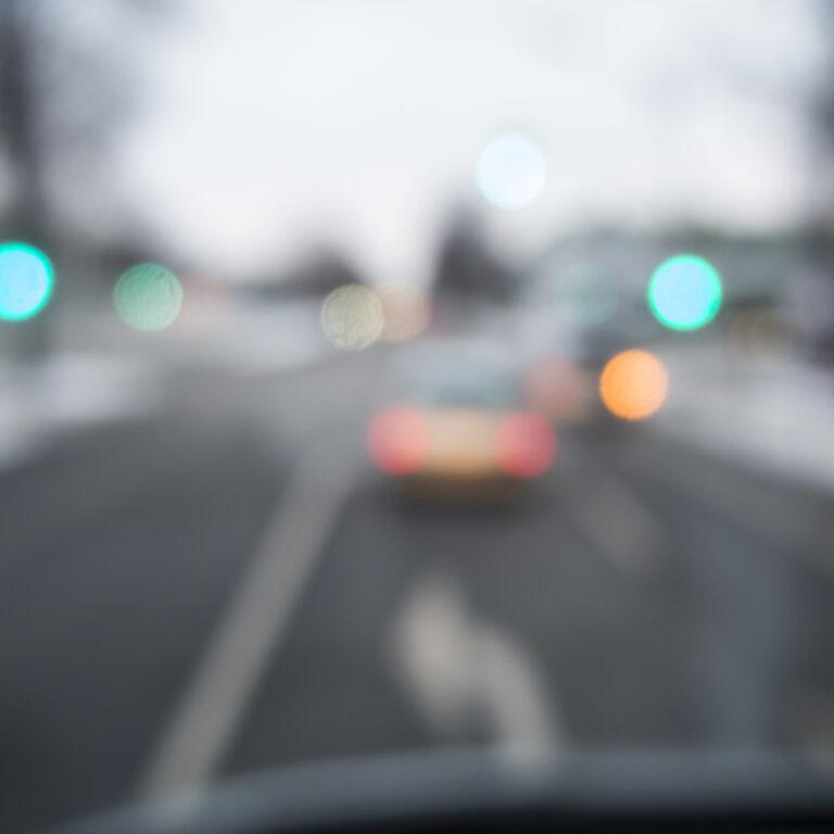 Sabia que 60% dos acidentes de carro podem resultar de má visão?