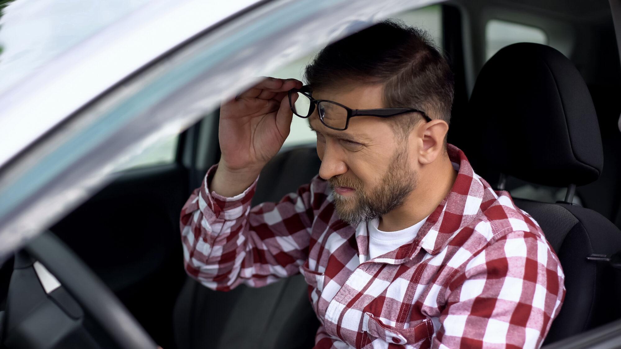 Condução: perigo está em não reconhecer que se vê mal