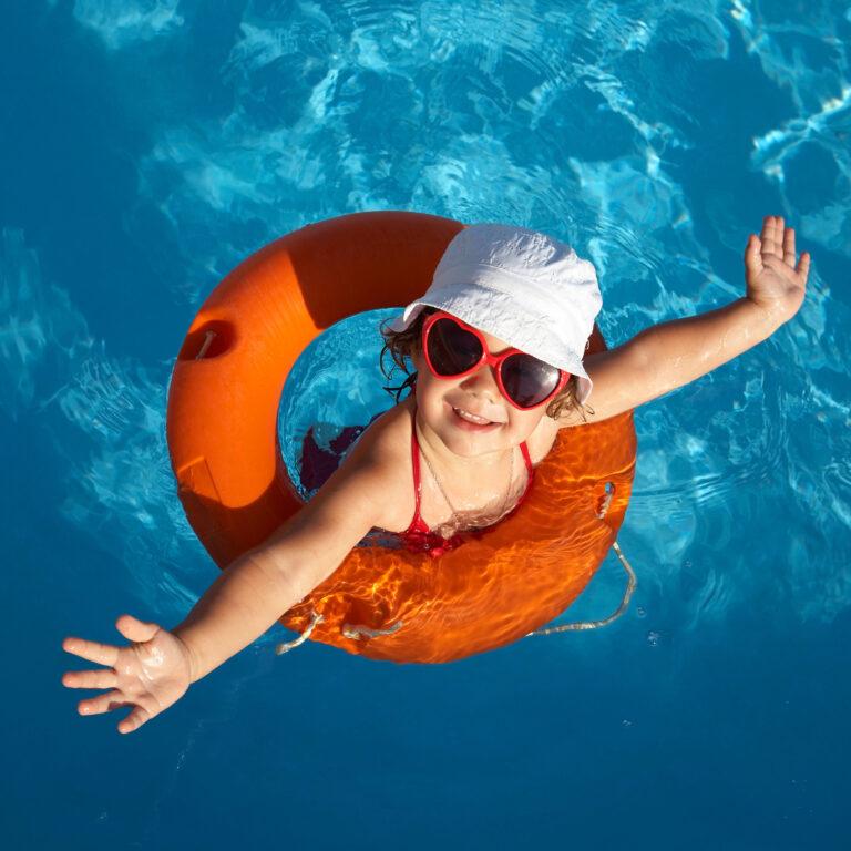 Óculos de sol são mais importantes para as crianças do que para adultos