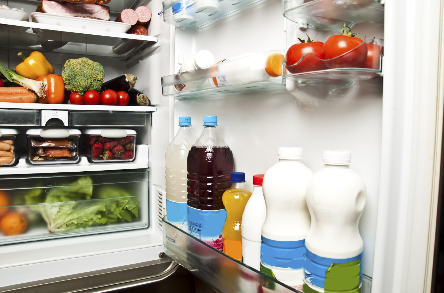 Organize o frigorífico e evite desperdiçar alimentos