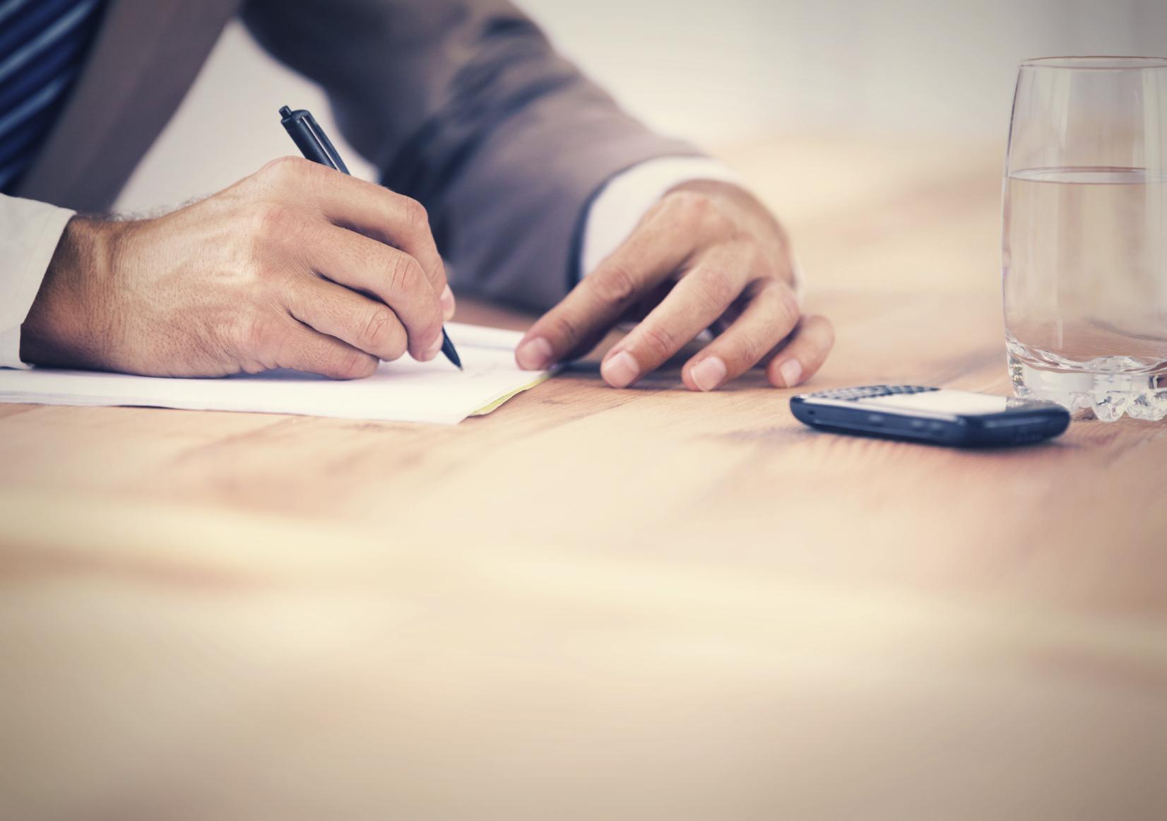 Existem contratos de crédito com características diferentes, a saber