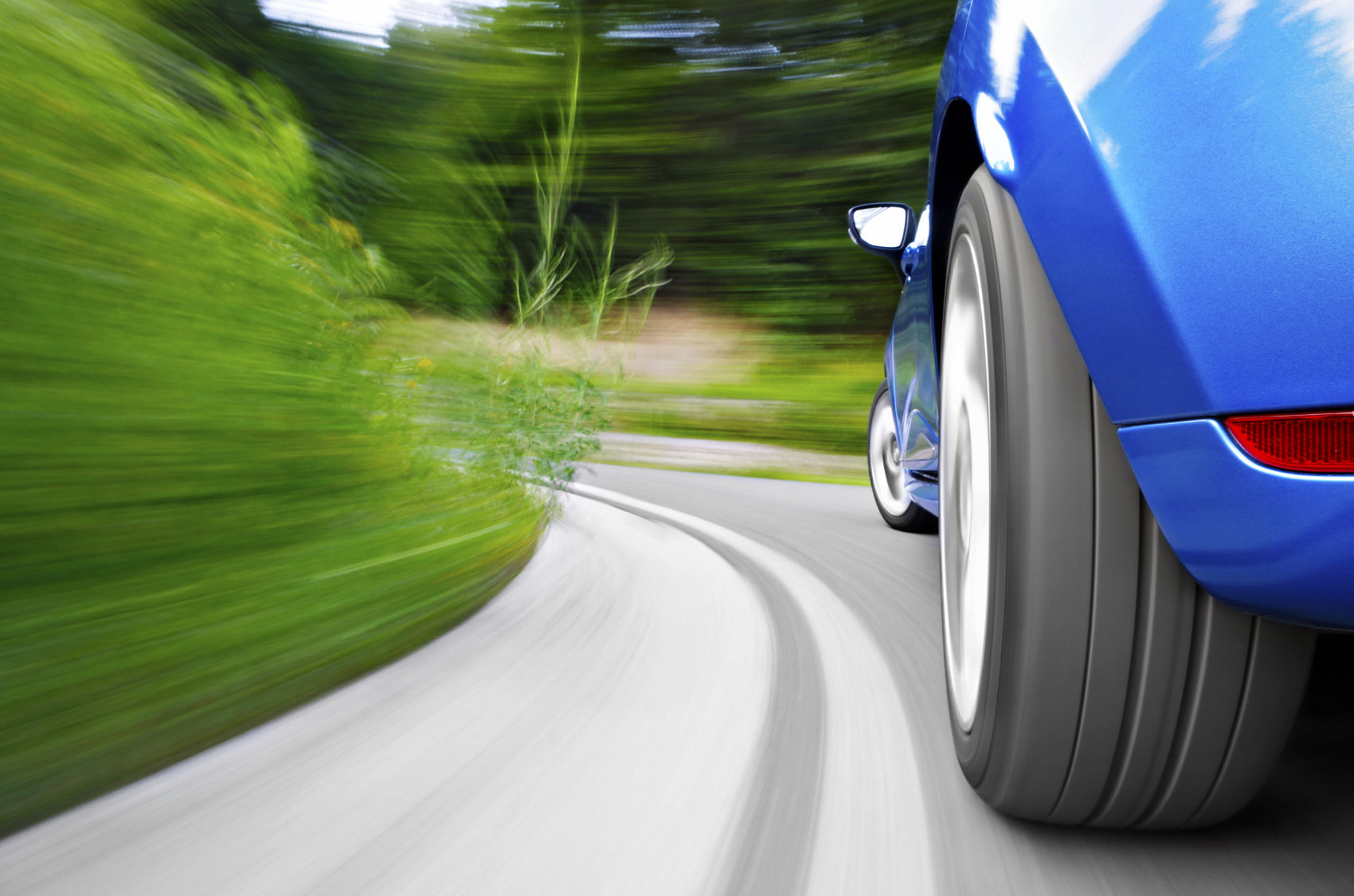 A segurança começa nos pneus | Já verificou os seus pneus hoje?
