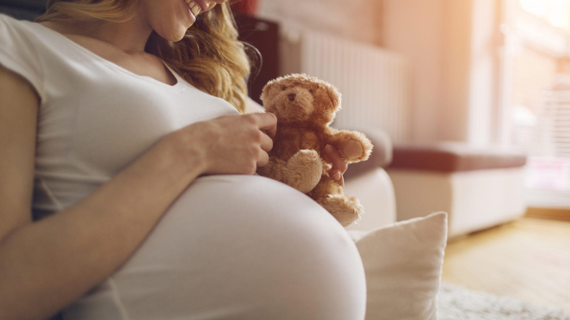 À espera de bebé? Saiba como poupar