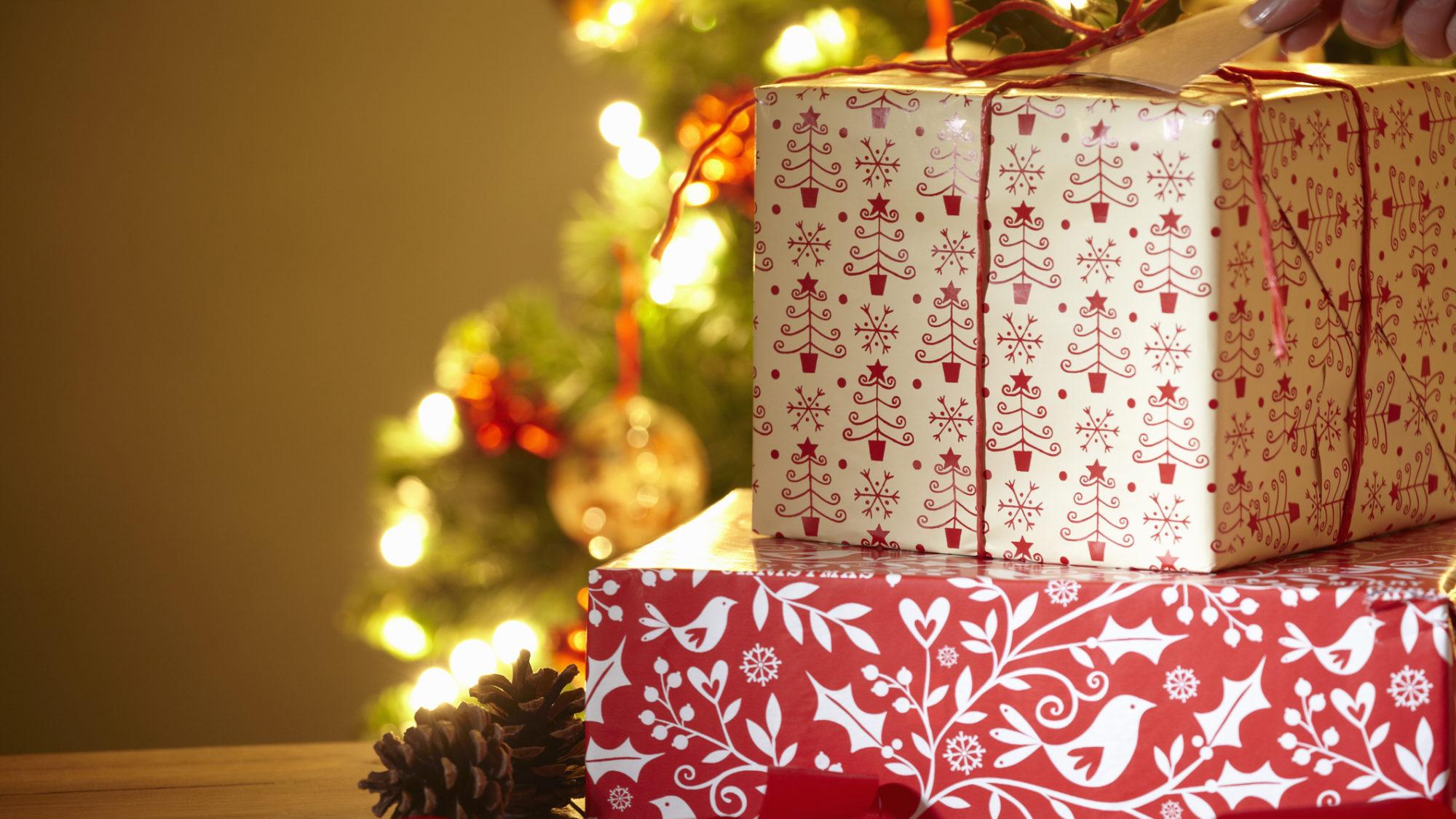 Como poupar em prendas este Natal