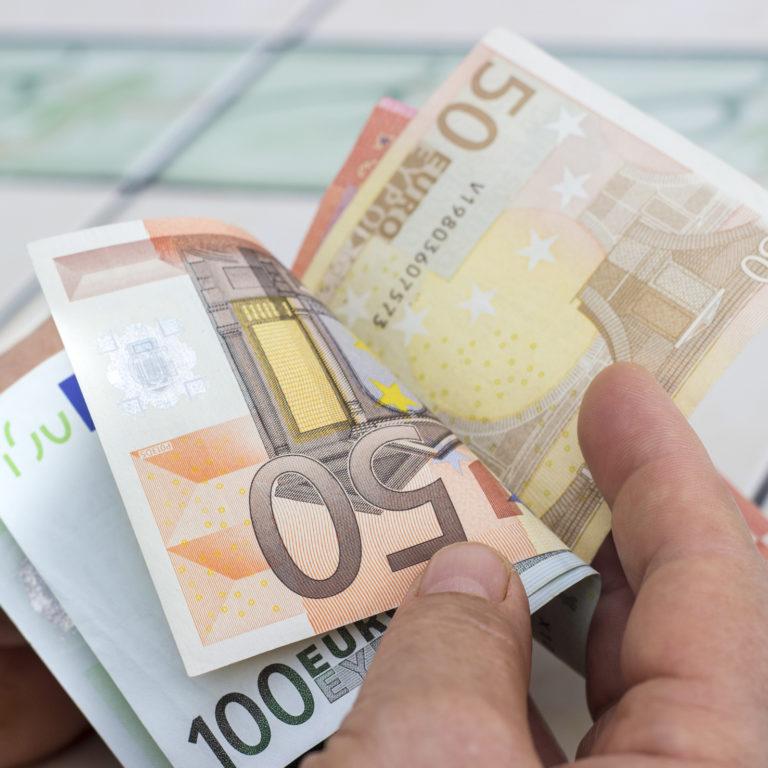 Família: 5 dicas para viver melhor só com um salário mensal