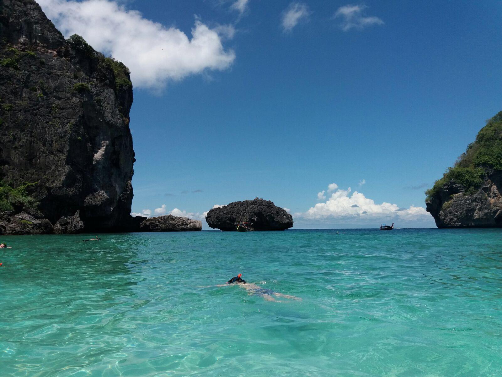 Praia de um destino tropical