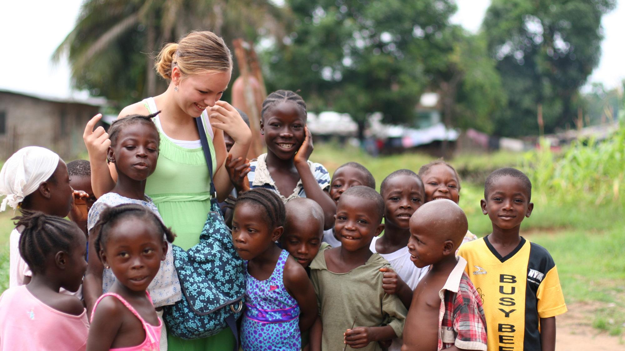 Voluntariado no estrangeiro: viajar marcando a diferença