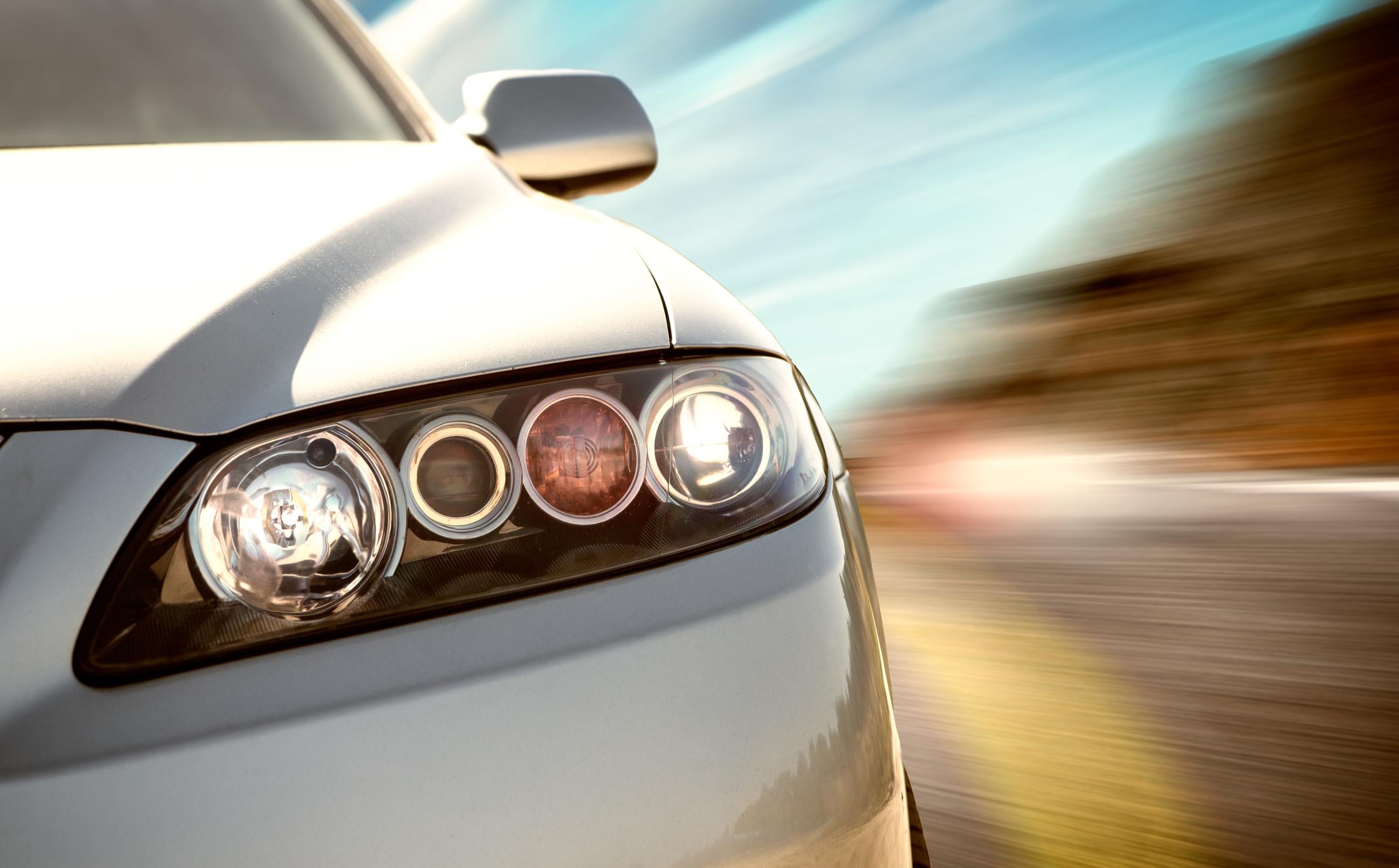 Segurança rodoviária: cuidados com os faróis
