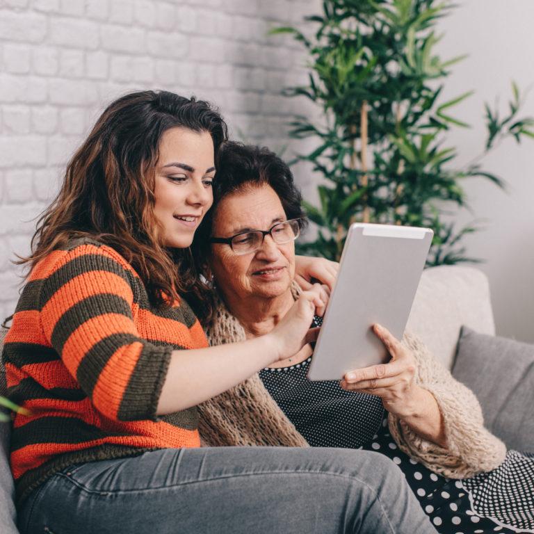 Familyar: a plataforma para toda a família a pensar nos mais velhos