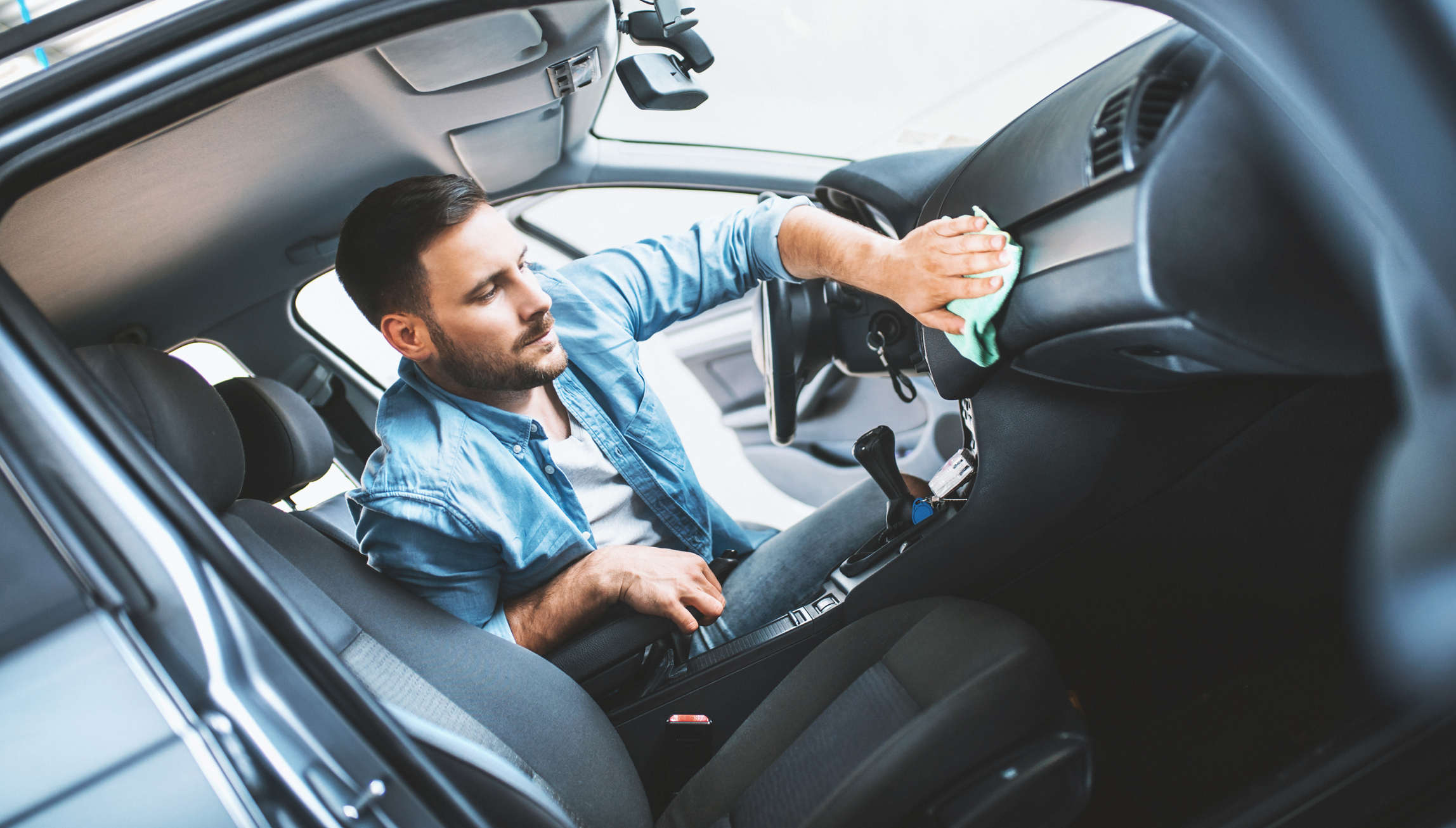 Automóvel: interior impecável num piscar de olhos