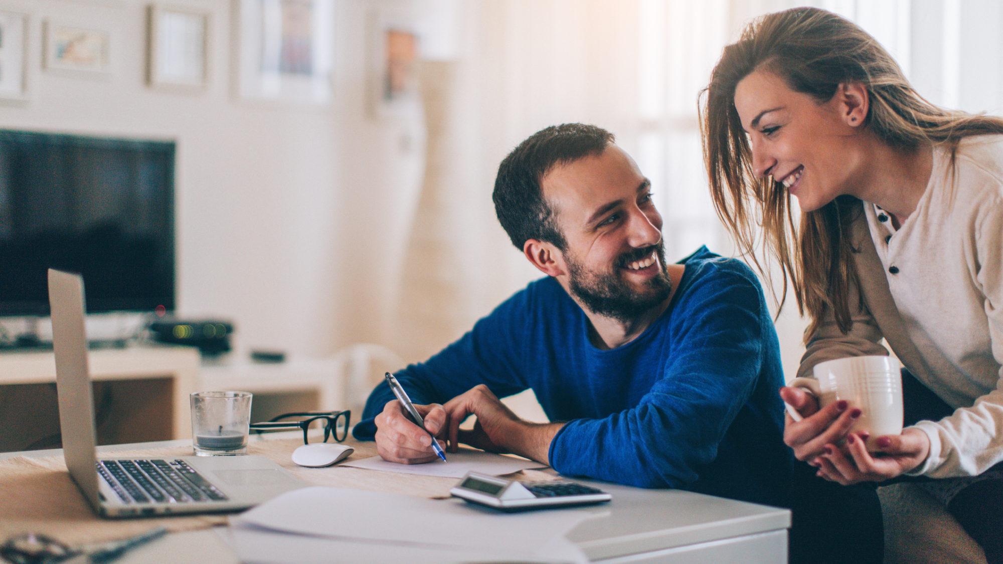 Casal: juntar ou separar as contas bancárias?