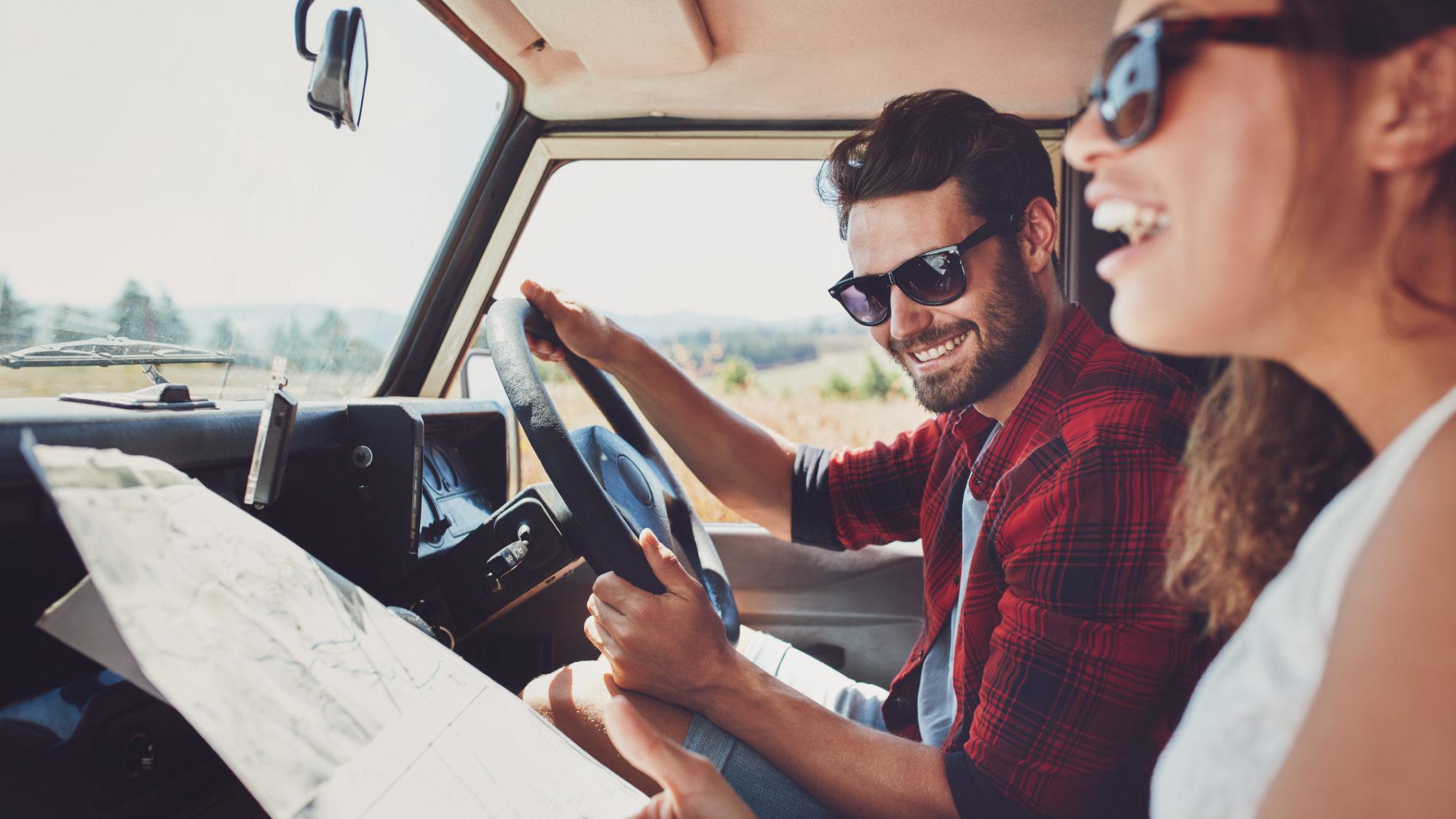 8 erros que deve evitar quando viaja de carro