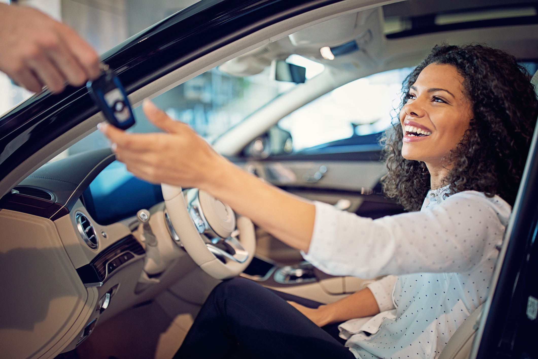 Vai comprar o primeiro carro? Sete dicas a considerar