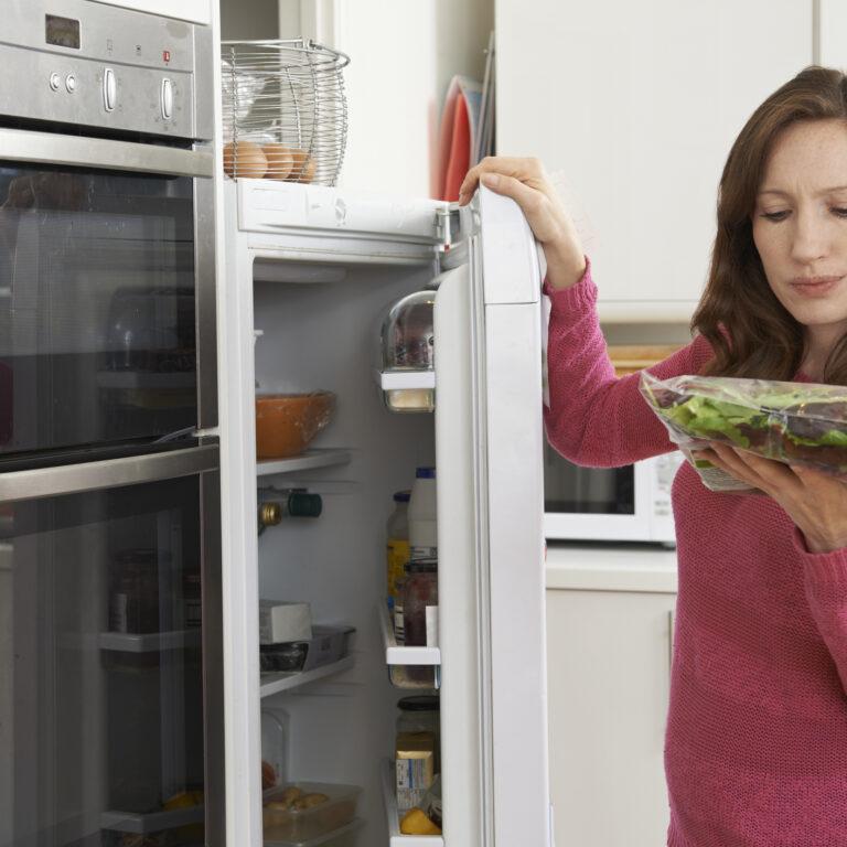 Poupe mais em casa: Não deite estes alimentos fora