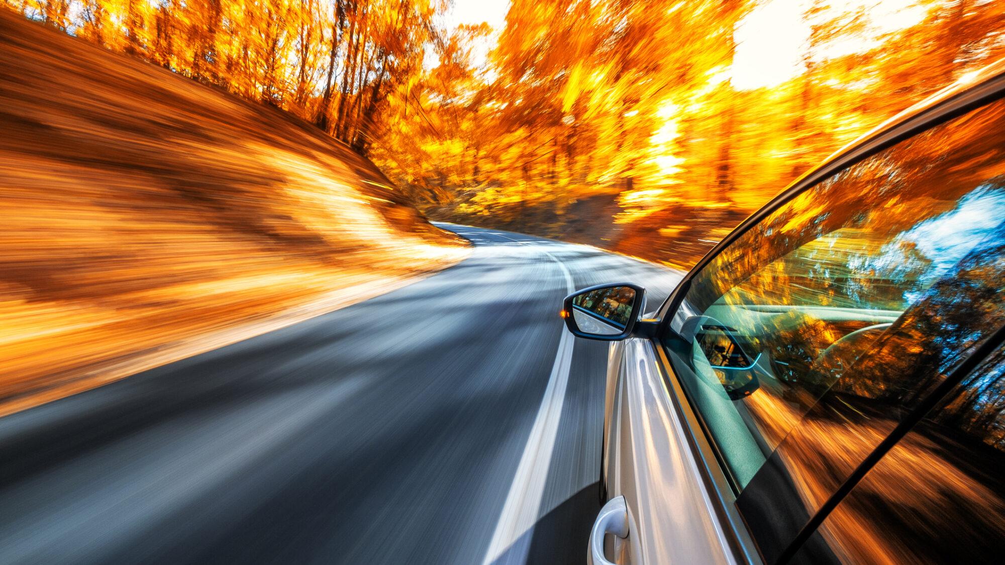 Ao volante: cursos para conduzir melhor ou sentir a adrenalina