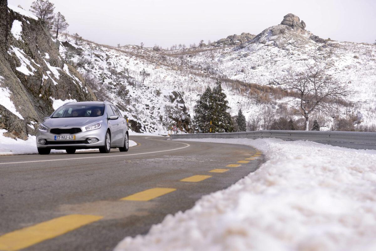 Gelo e neve no carro: como remover facilmente